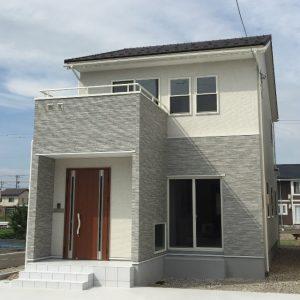 白を基調にした、光溢れる明るい家