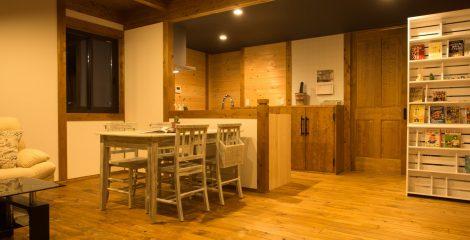 鯖江モデルハウスのダイニング4/かたり家(有限会社ホームクリーン福井)