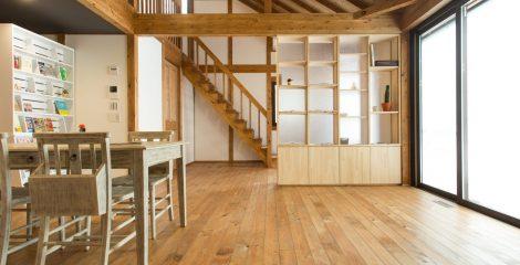 鯖江モデルハウスのリビング1/石塚ホーム