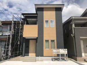 制震装置MIRAIEを採用/内装デザインをカントリー調に仕上げた家