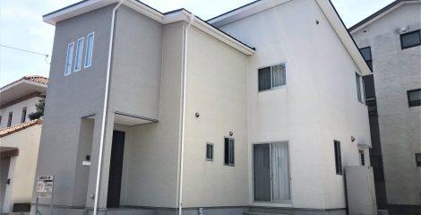 閑静な住宅街 リビングに充実性能+ベランダ兼サンルーム付きの家