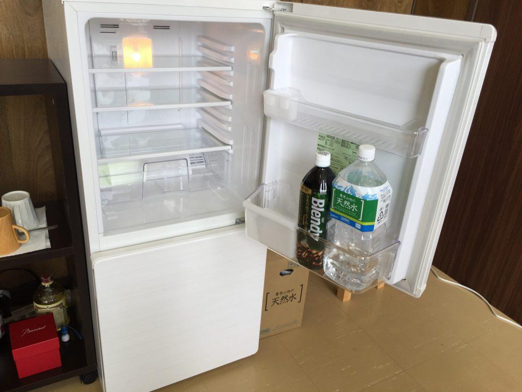 ユーイング 110L 2ドア冷蔵庫 上の段 UR-F110H-W